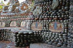 Walker Rock Garden | Flickr - Photo Sharing! Mosaic Rocks, Rock Mosaic, Outdoor Stone, West Seattle, Petrified Wood, Rock Art, Backyard, Garden Walls, Sculpture Garden