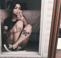Tattoos for women: totally recommended designs! Leg Tattoos, Body Art Tattoos, Girl Tattoos, Tattoos For Women, Tattoo Ink, Tatoos, Unique Tattoos, Beautiful Tattoos, Small Tattoos