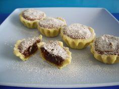 Cosulete cu dulceata si nuci - imagine 1 mare Romanian Desserts, Romanian Food, Cake Pops, Wedding Desert Table, Cupcakes, Pastry Cake, Cheesecakes, Biscotti, Muffin