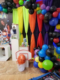 Farrah Ruth Productions 's Birthday / Space jam - Photo Gallery at Catch My Party Baby First Birthday Themes, Boy Baby Shower Themes, First Birthday Parties, Baby Shower Parties, Birthday Party Themes, Birthday Ideas, 11th Birthday, Baby Birthday, Looney Tunes