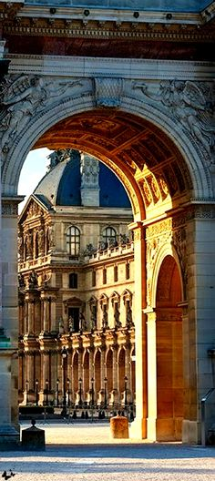 #French #Architecture - Travelling - le Louvre, Paris http://www.thefrenchpropertyplace.com