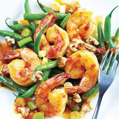 Like all nuts, walnuts pack a punch when it comes to their fat content, but they abound with antioxidants. This Hoisin-Chile Shrimp with Green Beans & Walnuts Recipe hits the sweet spot. Clean Eating Recipes, Healthy Eating, Cooking Recipes, Healthy Recipes, Healthy Dinners, Easy Recipes, Healthy Food, Yummy Food, Seafood Dishes