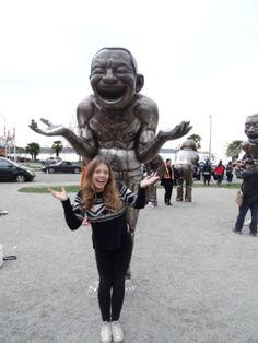 """Foto des Tages: Anabel, 3. Platz unsers Highschool-Fotowettbewerbs, #highschool #kanada - """"In Vancouver ahmen wir die Statuen nach ;) """""""