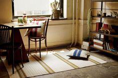 【L:130cm×190cm/(ブルー)】白地×柄付カラーボーダーラグマット:ナチュラル,シャビーシック&エレガント,ブルー系,Home's Style(ホームズスタイル)のラグ・マットの画像