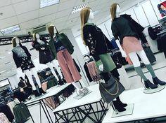 Utility luxe catwalk #utilityluxe #newlook #trend #catwalk #mannequins #fashion #detailing #styling #retail #2017 #newness #nortical #paris #fblogger #vm #dress2impress #visualmerchandising #visuals #visualmerchandiser #workhardplayhard