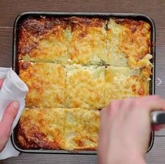 Cheesy Ham Potato Bake 😋 Credit: Tag who'd love this 💛 Cheese Dishes, Potato Dishes, Food Dishes, Twisted Recipes, Twisted Food, Breakfast Dishes, Breakfast Recipes, Pork Recipes, Cooking Recipes