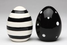 Black and White Eggs Ceramic Salt and Pepper Shakers, Set of 4 Steampunk Heart, Salt And Pepper Set, Mixing Bowls, Egg Shape, Ceramic Painting, Dot Painting, Salt Pepper Shakers, Hand Painted Ceramics, Stuffed Peppers
