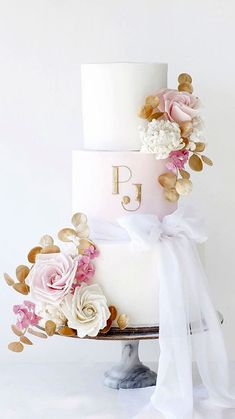 Pretty Wedding Cakes, Wedding Cake Designs, Cake Wedding, Gold Wedding Colors, Pink And Gold Wedding, 29th Wedding Anniversary, Anniversary Ideas, Elegant Wedding, Dream Wedding