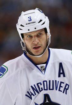 Kevin Bieksa Photos - Vancouver Canucks v Anaheim Ducks - Zimbio