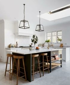 There is no question that designing a new kitchen layout for a large kitchen is much easier than for a small kitchen. A large kitchen provides a designer with adequate space to incorporate many convenient kitchen accessories such as wall ovens, raised. Home Decor Kitchen, Interior Design Kitchen, New Kitchen, Home Kitchens, Kitchen Dining, Kitchen Ideas, Kitchen Cabinets, Kitchen Modern, Kitchen Hacks