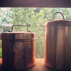 """좋아요 3개, 댓글 1개 - Instagram의 by atCorner(@farandeast)님: """"#canister#madebyhand #pure #copper#fromindia #shopfarandeast #open soon, 동으로 만든 다용도 수납통 , 부암동…"""""""
