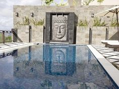 Royalty Queen Villa in Jimbaran. 6 bedrooms for $750 a night. Sleeps 14.