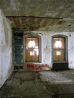 Immigration: Ellis Island Hospital. #EllisIsland #history