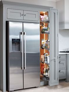 This tall pull-out cabinet is perfect for a narrow space. Here it's a pantry but it could be a broom cupboard. Kitchen Pantry Design, Life Kitchen, Kitchen Cabinet Storage, Kitchen Cabinetry, Modern Kitchen Design, Home Decor Kitchen, Interior Design Kitchen, Kitchen Ideas, Pull Out Kitchen Storage