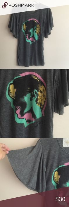 Bowie tee Bowie graphic flutter sleeve tee, never worn! Buddhist Punk Tops Tees - Short Sleeve