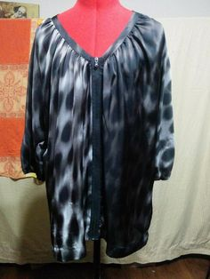 """""""Silky Zip Front Blouse Kenneth Cole Size XL Gray & Black Muted Animal Print """""""