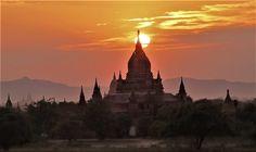 Bagan la vallée au milliers Temples et Pagodes  Myanmar 2014