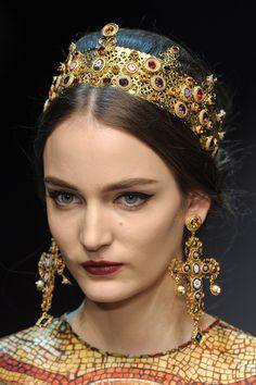 Dolce & Gabbana at Milan Fall 2013 (Details)