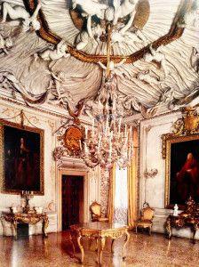 Sqaured Ballroom in Palazzo Albrizzi