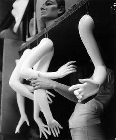 Imogen Cunningham - Another Arm, 1973