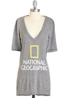 Sightseeing Set on You Tee. Just as you look to National Geographic for incredible photographs, you can count on this grey graphic tee for an adventurous ensemble! #grey #modcloth