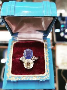 Edwardian Sapphire Ring Sapphire Stone, Blue Sapphire, Sapphire Rings, Edwardian Jewelry, Art Deco Period, Royal Jewels, Dress Rings, French Art, Sparkle