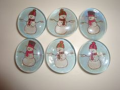 Adorable set of 6 glass snowman magnets. Perfect for teacher gift or co worker/friend. Each piece has small super strong magnet with a pull force of 2 lbs. The magnets come in a plain white box perfect for gift giving.