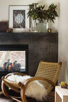 nice Homey Decoration Ideas To Hibernate Your Mind In Style Along The Winter Cozy Living Rooms, Living Room Decor, Living Spaces, Rustic Room, Rustic Decor, Mountain Decor, Decorating Small Spaces, Elle Decor, Rustic Design