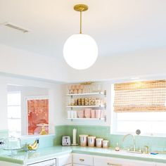 Style The Light Wood Kitchen Design That Will Be Chosen For Your New Kitchen 4 - homevignette Mint Kitchen, Kitchen Redo, New Kitchen, Vintage Kitchen, Kitchen Remodel, Kitchen Design, 1920s Kitchen, Kitchen Shop, Kitchen Ideas