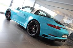 Loving the 2nd Generation 991 targa in Miami Blue what a drive from the all new 3.0 litre twin turbo #rs2images #911targa4s #twinturbo #420bhp #miamiblue #miami #porsche #porsche911 #porscheexperience #silverstone #goodmates #supercar #hypercar #racecar #amazingcars247 #porschefans #porschelife #porscheclub #grandprix #porsche991 #991 #991911 #carrera4s #porschetarga #targa #911targa by rs2images