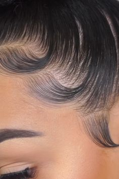Excellent Tips and Products to Grow your Edges Natural Hair Types, Natural Hair Growth, Knot Bun, Top Knot, Looking Gorgeous, Beautiful, Hair Laid, African American Hairstyles, Relaxed Hair