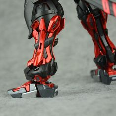 MG 1/100 Astray Red Frame - Painted Build Image via .囧肉君