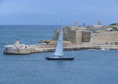 OCEAN. Beaches and Watersports There are plenty of beaches within easy reach of Valletta.