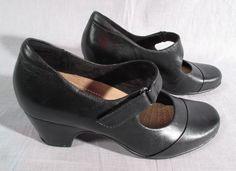 be07e83452 Women's Clarks Artisan Dress Shoes Black Size 7 M Heels Leather High #Clarks  #DressShoes