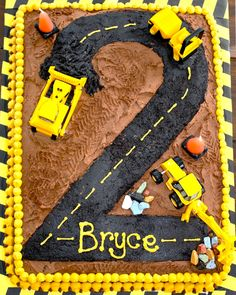 Cute construction cake for a boy birthday party. Cake for birthday 2 Birthday Cake, Boy Birthday Parties, Birthday Ideas, Digger Birthday Cake, Baby Boy Birthday, Third Birthday, Bolo Original, Construction Birthday Parties, Construction Party Cakes
