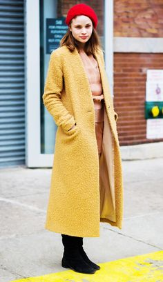 stylish yellow fashion trends ideas for this year 17 Cool Outfits, Fashion Outfits, Fashion Trends, Cool Style, My Style, Yellow Fashion, Autumn Street Style, Winter Looks, Look Chic