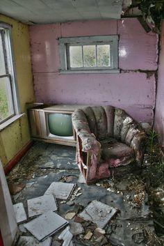 Inside Abandoned Houses Inside abandoned house
