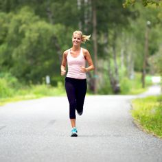 6 Ways to Become a Better Runner-good tips just in time for starting to run more outdoors!