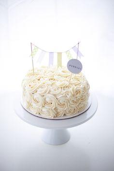 Rosette Buttercream Cake / Coco Cake Land