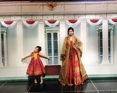 Korean Hanbok made from Indonesian Batik via @Annisa Larasati