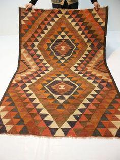 nr.99 Handgewebter Teppich ANTIKE KURDISTAN NOMADEN KILIM / KELIM ca.215x133 cm.