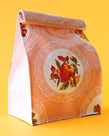 Oilcloth Crafts: Lunch Bags... #diy #crafts