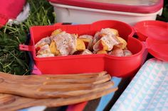 Schlemmen im Park - Die Grillsaison in Köln ist eröffnet! Park, Food, Handy Tips, Essen, Parks, Meals, Yemek, Eten