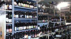 Op wegvan … naar…. even een stop op wat we dachten dat een rommelmarkt was. Een beetje raar.. bier-glazen, bier-viltjes, bier-reclameborden… Een beetje rondneuzen… niet ech…