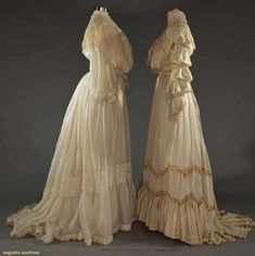 Both w/ trained skirts: 1 ivory China silk, ruched bodice & skirt, machine made lace flounce to bodice, ballo. on Nov 2016 Edwardian Gowns, Victorian Gown, Edwardian Fashion, Vintage Fashion, Edwardian Clothing, Old Dresses, Vintage Dresses, Vintage Outfits, Party Dresses
