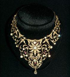 17th century necklace, Carnegie Museum