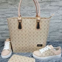 Look Fashion, Fashion Bags, Fashion Shoes, New Handbags, Louis Vuitton Handbags, Fly Shoes, Shoe Boots, Shoe Bag, Cloth Bags