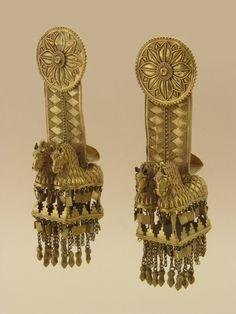 Temple pendants Gold, L 13 cm. Shida Kartli, Akhalgori Museum Museum of Georgia Collection Archaeology Period 4th century B.C
