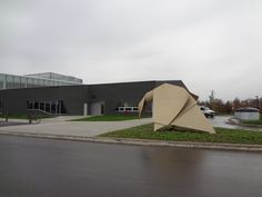 John M Harper Branch Waterloo Public Library Ontario Public Art: Origami Goose Library Programs, Learning Environments, Stork, Public Art, Libraries, Ontario, Outdoor Gear, Architecture, Arquitetura