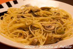 Espaguetis Picante con Champiñones y Aceitunas